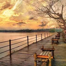 ÓIS DA RIBEIRA by Ed  von Ems - Landscapes Waterscapes