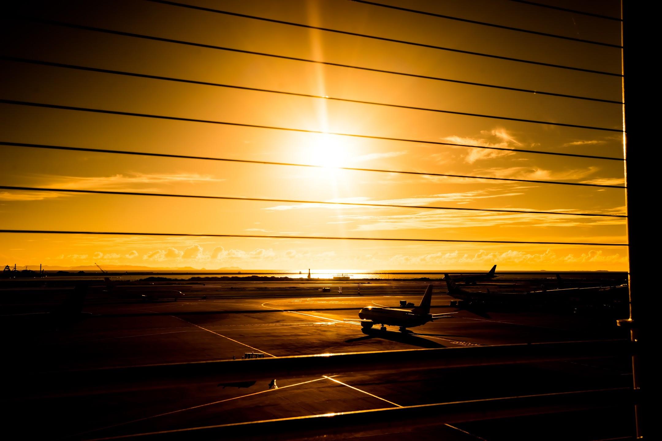 沖縄 那覇空港 飛行機2