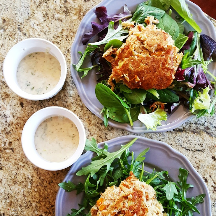 Low Carb Crab Cakes and Lemon