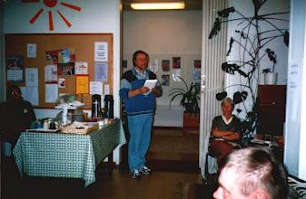 Photo: Lasse Hjelt ja Gerald Porter esittivät informaatiota teeman mukaan, lausuivat runoja.