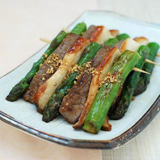 Sanjeok (Skewered Beef with Asparagus and Mushrooms)