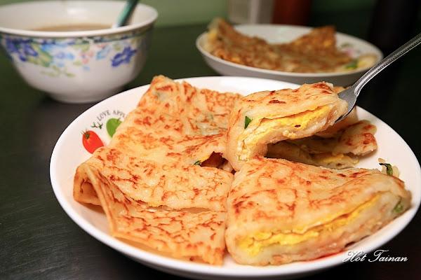 傳統古早味麵糊蛋餅!巷弄裡市場旁的低調老店:阿公阿婆蛋餅
