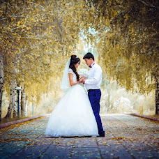 Wedding photographer Zhakshylyk Omurbekov (id293264171). Photo of 19.09.2015