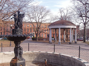 Photo: Union Square Park fountain and pavilion