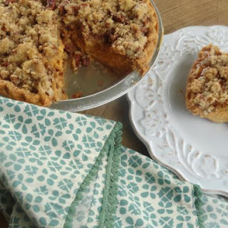 Pumpkin Pie with Cinnamon-Pecan Topping