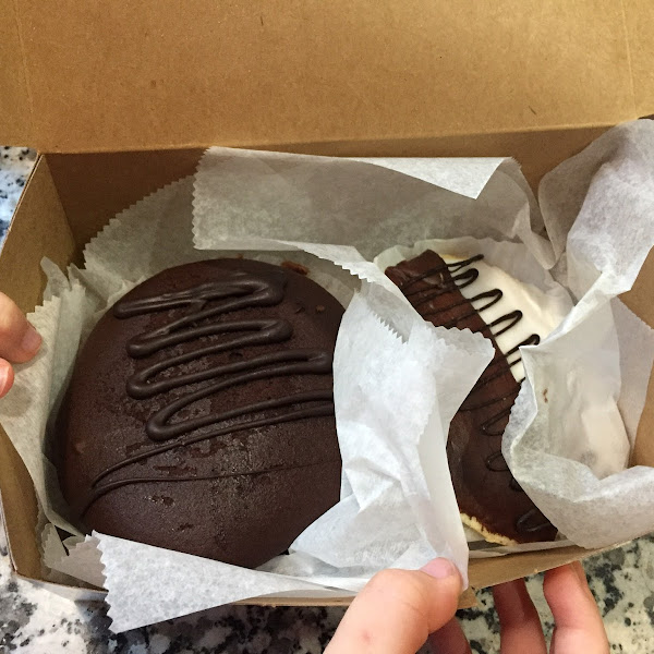 Nutella Whoopie Pie and a Black and White cookie. Both delicious!