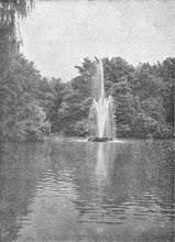 Photo: Die Teichfontäne (Quelle: Hagen, Reihe ,Monographien deutscher Städte', 1928, S. 29).
