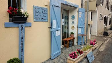 """Photo: """"Le Moulin d'Artigues"""" is een klein huiskamerrestaurant van Claudine Bourgeois in Lastours waar we heerlijk gegeten hebben"""