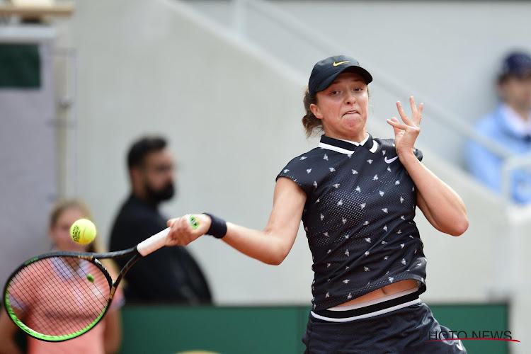 Roland Garros-winnares van 2020 verliest al in tweede ronde en huilt na uitschakeling 6 minuten lang op haar bankje