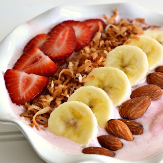 High Protein Strawberry Banana Smoothie Bowl