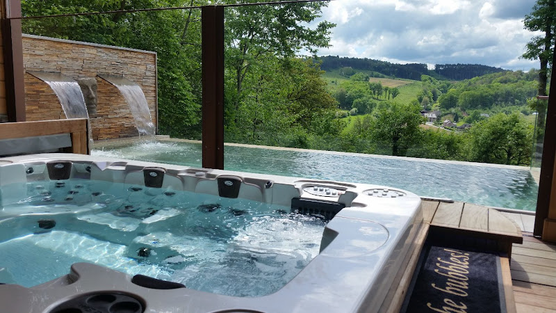 Chalet with private wellness center Ardennes