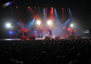 Photo: Crowd/band/lights