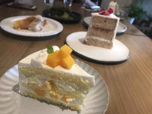沒吃到聽說厲害的溫蛋糕但是6個人算是每種蛋糕都吃到了 印象不深刻~