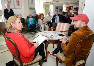 Photo: Künstlergespräch MAX EMANUEL CENCIC mit Dr. Renate Wagner am 19.4. 2015 in der Merker-Online-Galerie. Foto: Barbara Zeininger