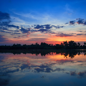 Amazing Sunset by Nuzul Taufiq - Landscapes Sunsets & Sunrises ( calm, kedah, sunset, sidamkiri, amazingsunset, nuzultaufiq )