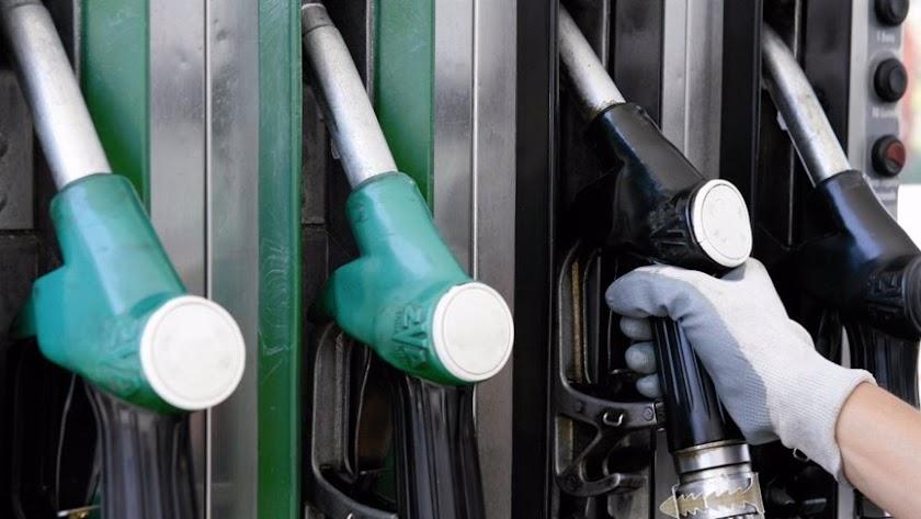 El precio de la gasolina y el gasóleo ha seguido en aumento.