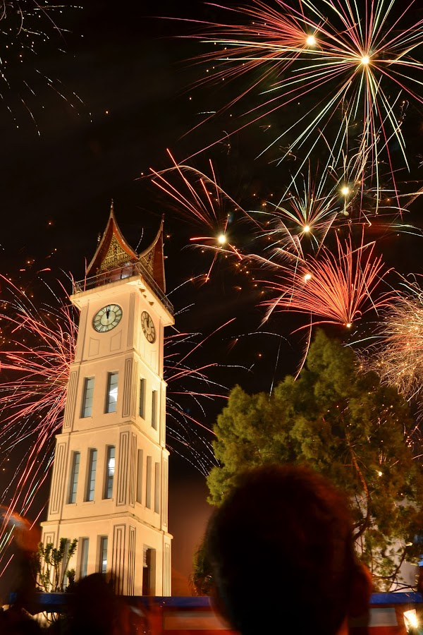 Jam Gadang Happy New Year 2013 by Twin Chan - Abstract Fire & Fireworks ( pwcfireworks, night, lights )