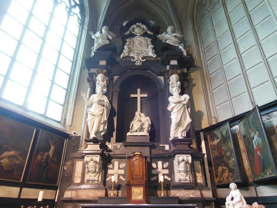 Iglesia de Nuestra Señora (Onze-Lieve-Vrouwekerk)