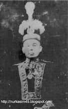 Photo: La Maddukelleng, Raja Pasir (1726-1736) dan Arung Matowa Wajo ke 34  (6 Nopvember 1736-1765). Sumber gambar: SK Kompas, Senin, 26 Februari 1996 (diedit). http://nurkasim49.blogspot.fr/2011/12/ii.html
