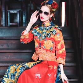 Chinese Bride(1) by 敬昕 涂 - Wedding Bride ( bride, dress, sheri, woman, bridal, stairs, 涂敬昕, people, red, sungla, beautiful, 敬昕 涂, 2019, weddong, fashion )
