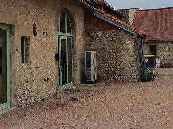 locaux professionnels à Charroux (03)