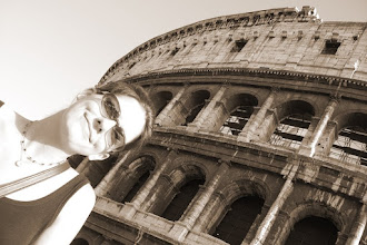 Photo: Teresa and the Colosseum