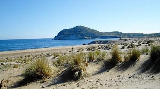 Instagram elige una playa almeriense entre las 16 mejores de España