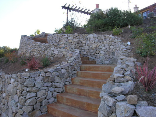 How Would You Light This Dry-stacked Stone Wall?