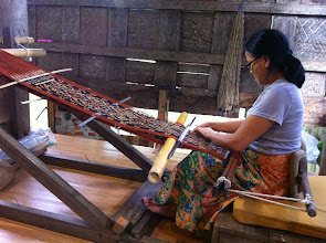 Photo: Cooperativa textil en Rantepao (Tana Toraja, Sulawesi) Domingo 22 de marzo de 2015