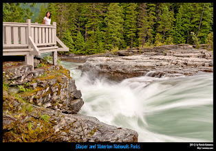 Photo: Glacier National Park: Anabel posando en las McDonnald Falls.