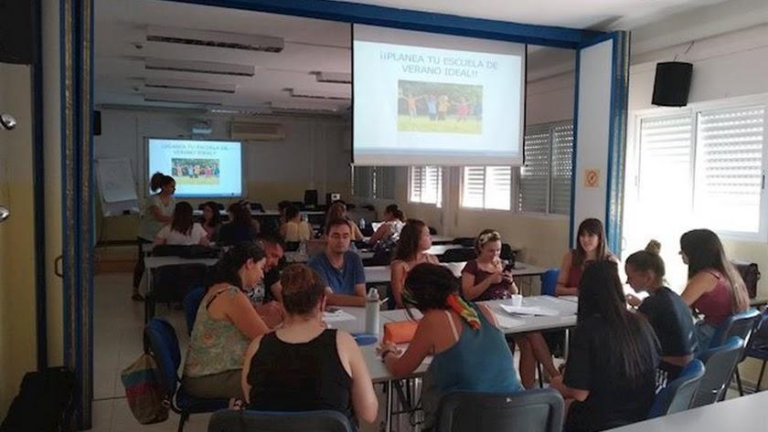 Participantes en un curso sobre autismo en Almería.