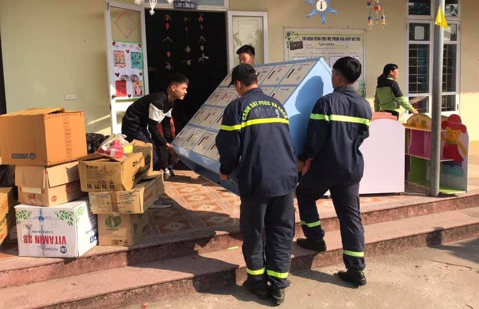 Hỗ trợ Trường Mầm non Quỳnh Thiện sắp xếp và vận chuyển đồ đạc sang cơ sở mới