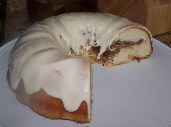 Apple-walnut Cake