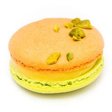 Macaron Abricot - Pistache et Romarin アプリコットピスターチ