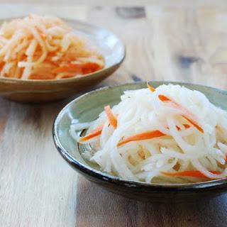 Musaengchae (Sweet and sour radish salad)
