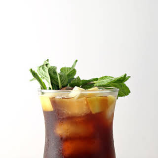 Apple Mint Iced Tea Cocktail.