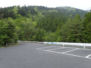 武平峠トンネル西口の下の駐車場