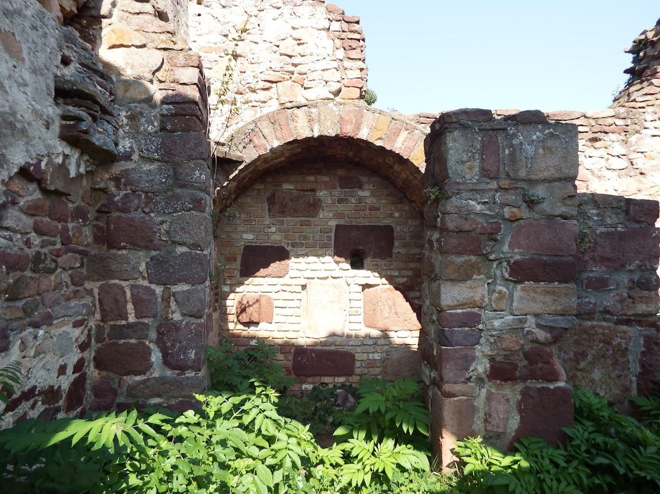 Révfülöp - Ecsérpusztai templomrom