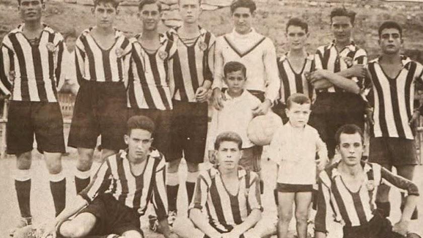 Peña Deportiva de Garrucha. Hacia 1929. Foto: Juan Grima