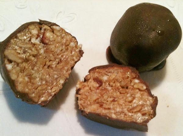 Peanut Butter Energy Balls - No Bake Recipe