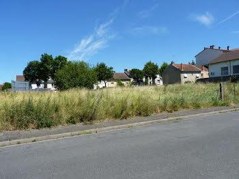 terrain à Vichy (03)