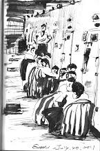 Photo: 配業2011.07.20鋼筆 考核期滿的新收受刑人終於要配業了,大伙把所有家當都帶齊了,準備下到各工場去。