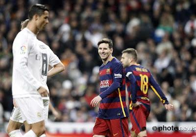 Dit beeld zegt alles over de Clasico: Messi 'lacht met' gefrustreerde Ronaldo
