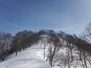 東峰への最初のピーク