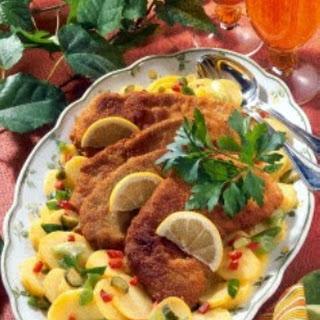 Wiener-Schnitzel auf Kartoffelsalat