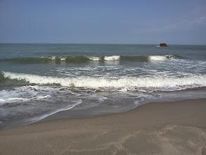 Photo: 久しぶりの広い海。打ち寄せる波。