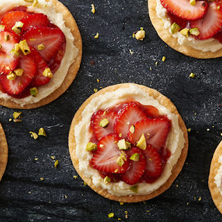 Mini Strawberry-Pistachio Mascarpone Tarts Recipe