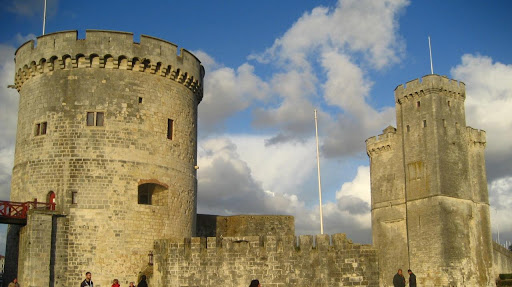 La Rochelle famous towers