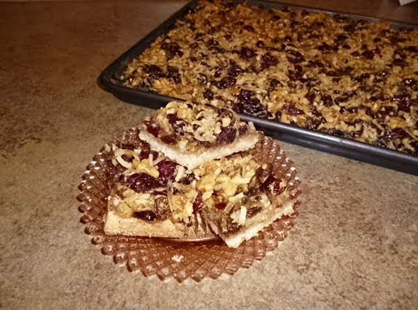 Chewy Raisin Walnut Shortbread Bars Recipe