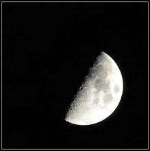Photo: 2. december 2011 - Månen